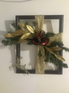 Frame Wreath, Gold & Red
